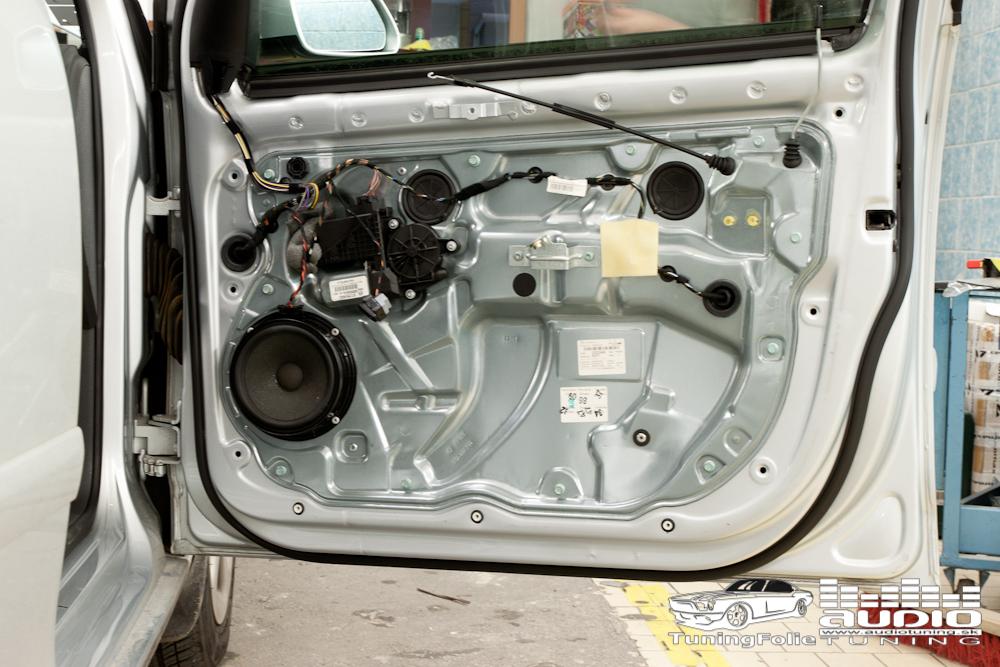 REPRODUKTORY TLMENIE ZOSILNOVAC SUBWOOFER RADIO VW POLO 7729