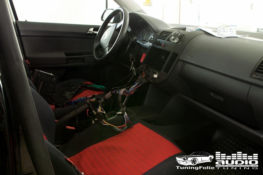 BEZPECNE TELEFONOVANIE: VW POLO PARROT MKi 9200