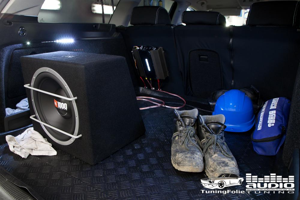 SUBWOOFER ZOSILNOVAC JBL GROUNF ZERO VW PASSAT B6 4683