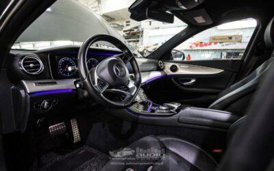 Mercedes-Benz E výmena reproduktov a tlmenie