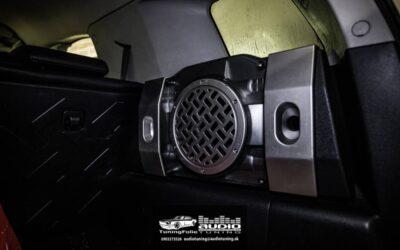 Toyota FJ Cruiser montáž rádia s LCD