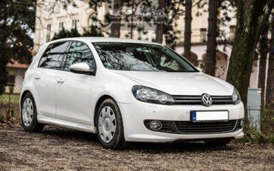 VW Golf 6 montáž 2DIN autorádia a parkovacej kamery